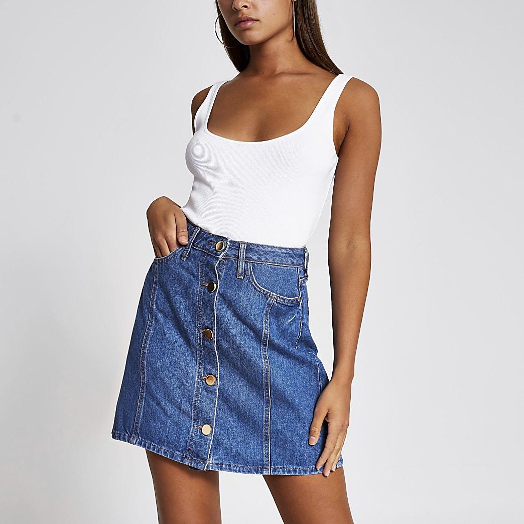 Mini-jupe en denim bleue boutonnée devant