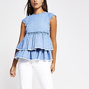 Chemise en denim bleu, manches courtes et volants