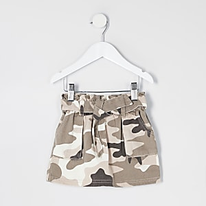 Mini – Paperbag-Jeansrock mit Camouflage-Muster in Khaki
