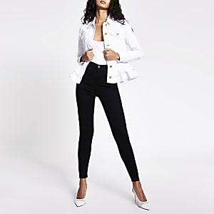 Taillierte Jeansjacke in Weiß mit Rüschen