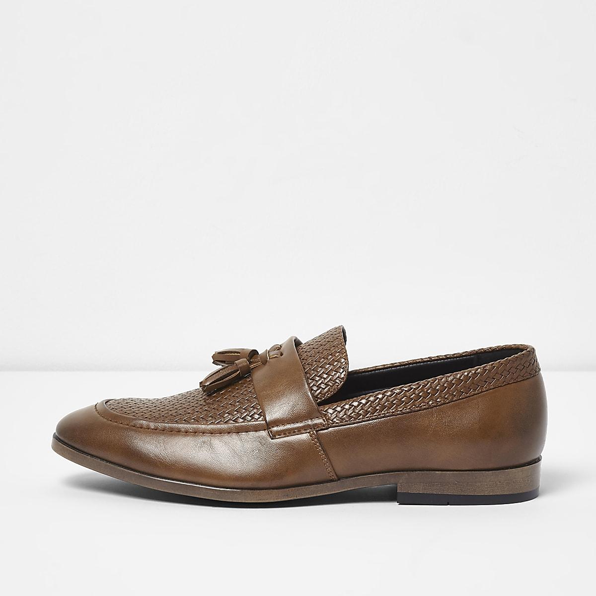 Tan tassel woven loafers