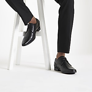 Black pointed formal lace-up shoes