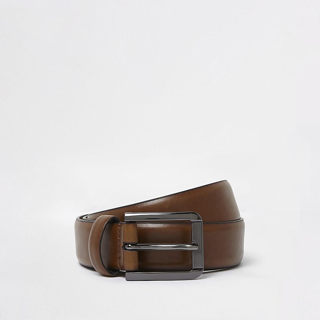 Hellbrauner eleganter Gürtel
