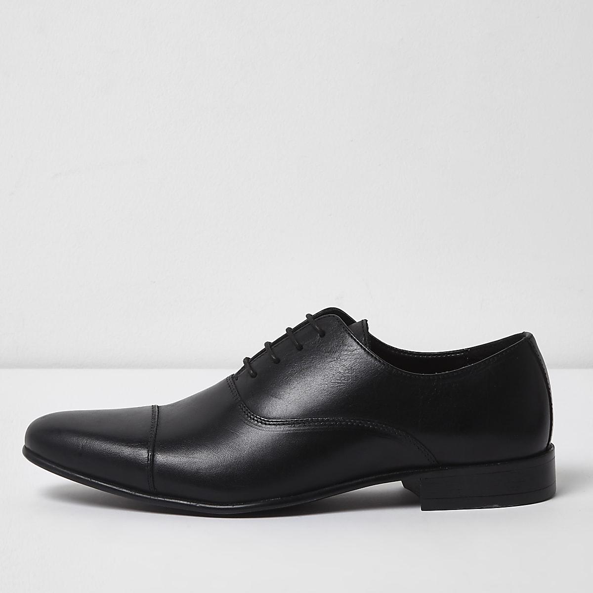 Black leather toe cap Oxford shoes