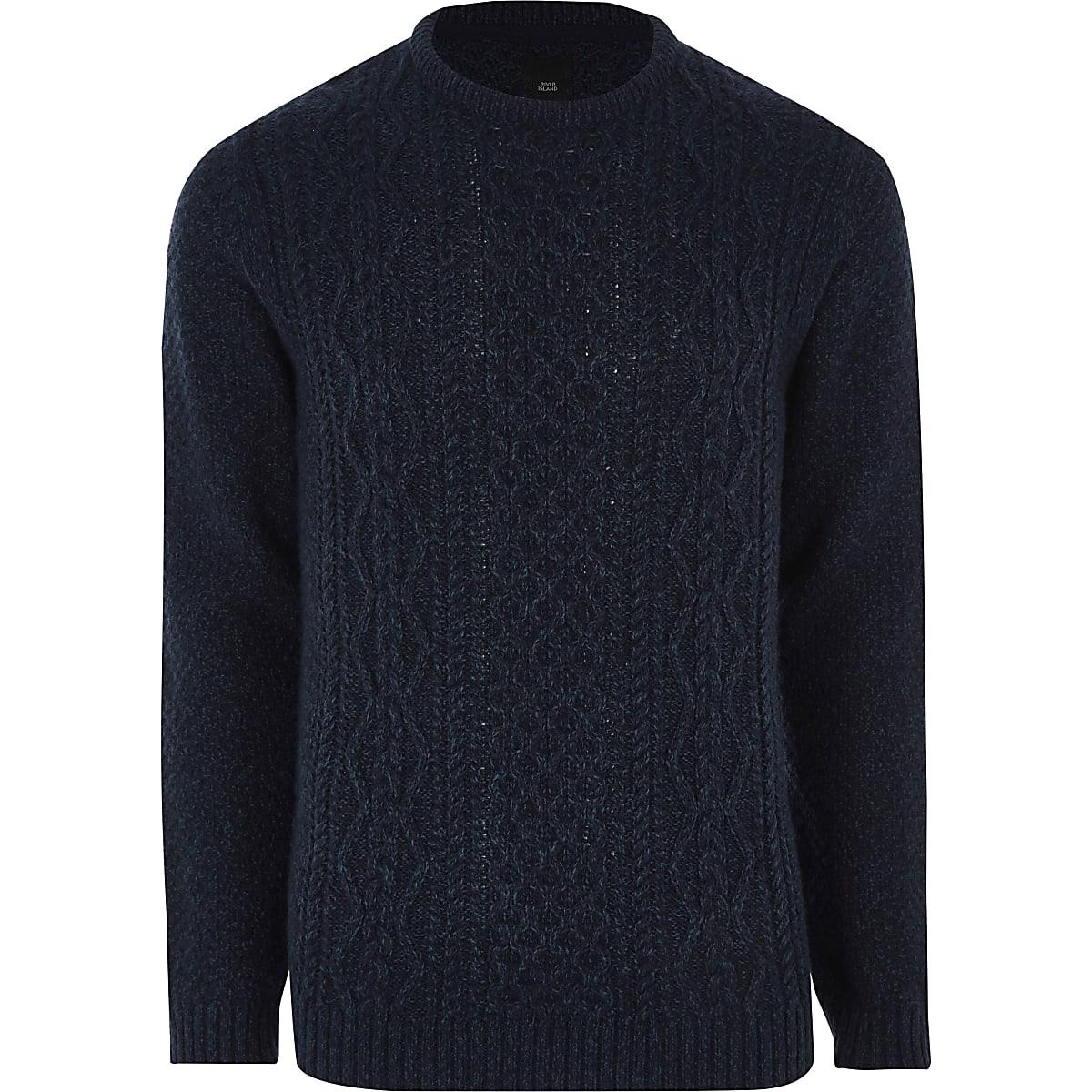 Pull en tricot torsadé bleu marine