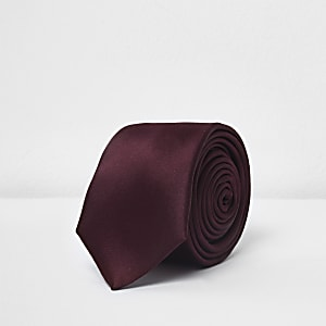 Cravate en satin bordeaux
