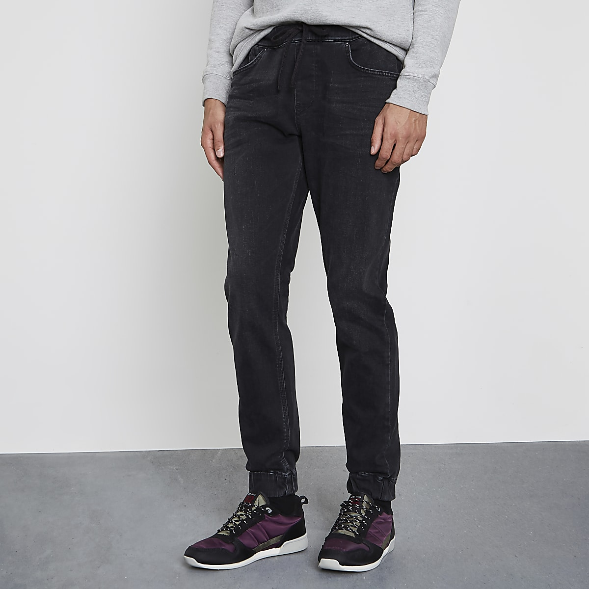 Washed black Ryan jogger jeans