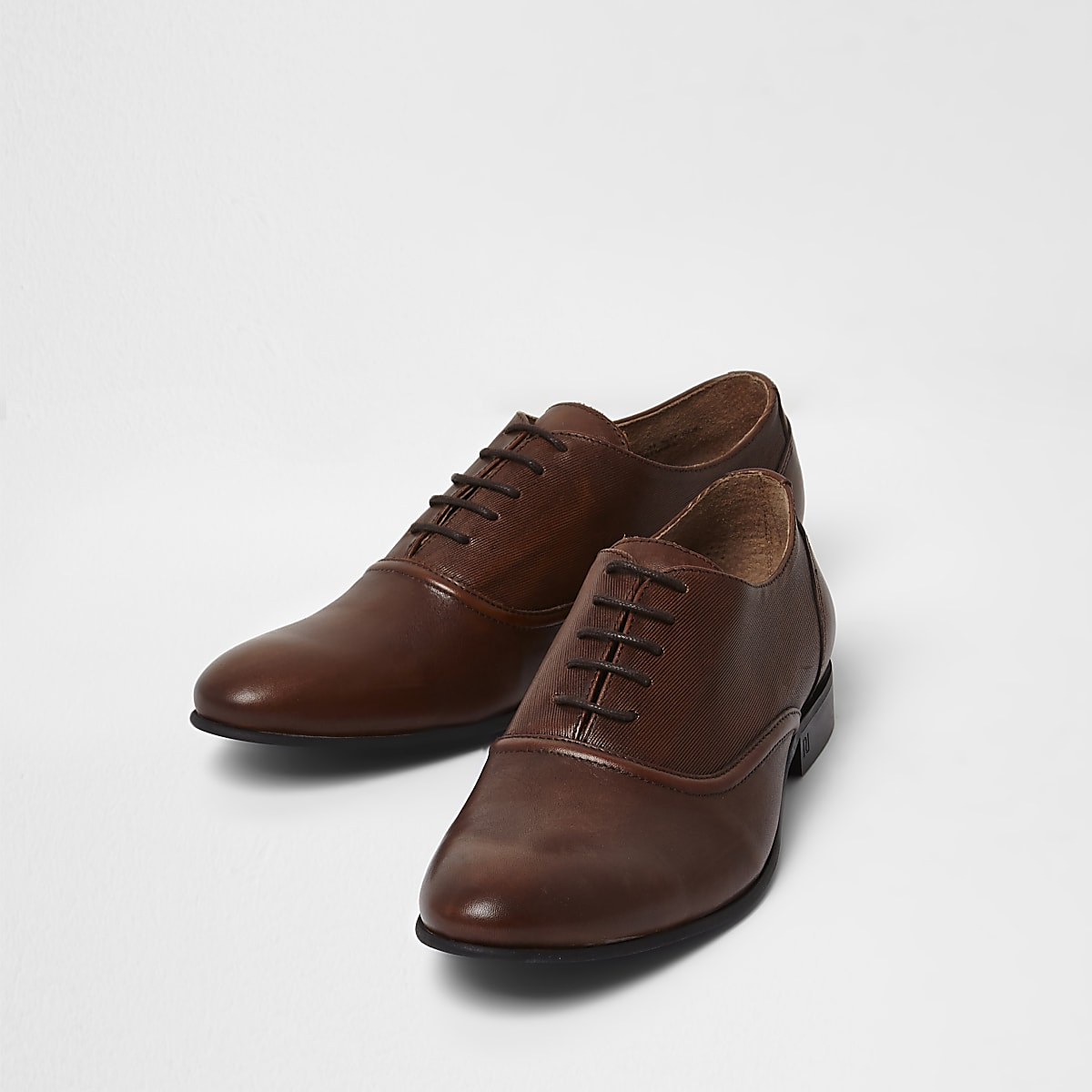 Tan leather lace-up Oxford shoes