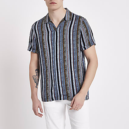 Blue aztec print short sleeve revere shirt