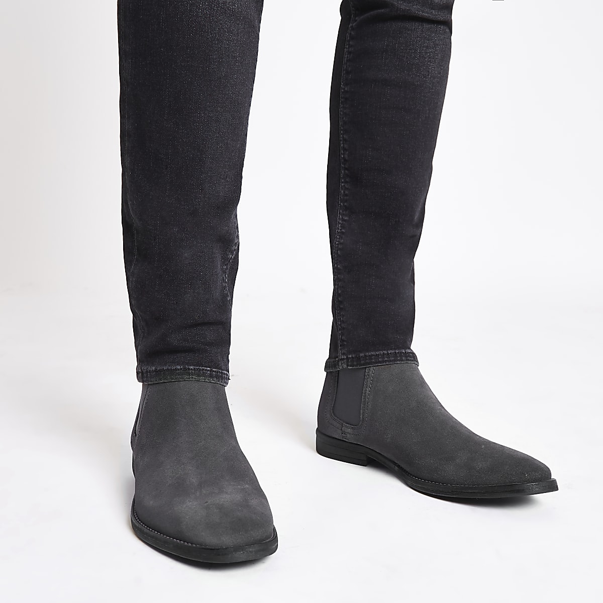 cebd3e3d206 Grey suede chelsea boots