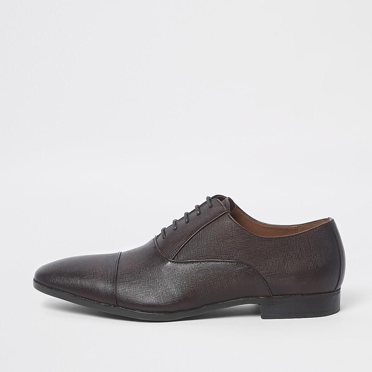 Chaussures Oxford marron à bout rapporté texturé