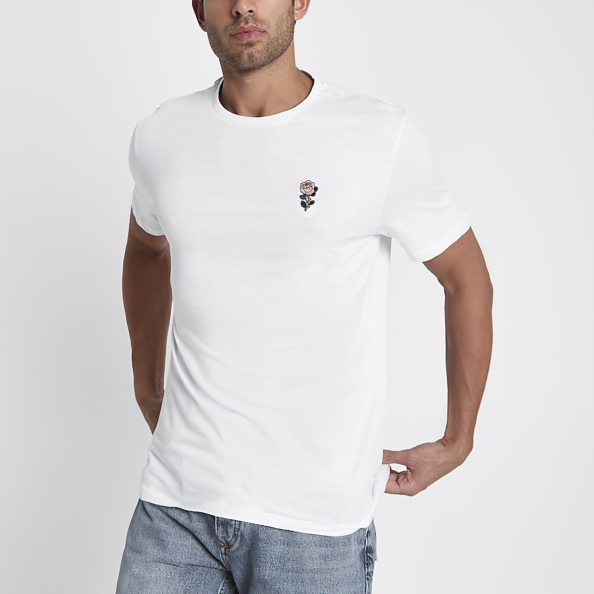 White rose chest embroidery slim fit T-shirt