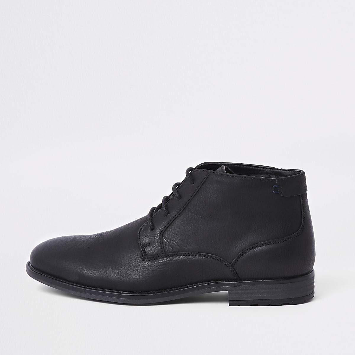 Zwarte chukka boots met vetersluiting