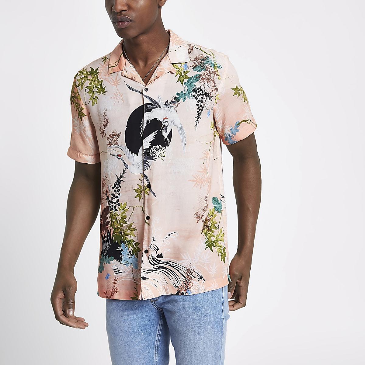 Pink crane print revere shirt