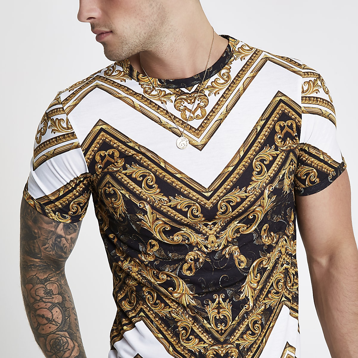 White print muscle fit T-shirt