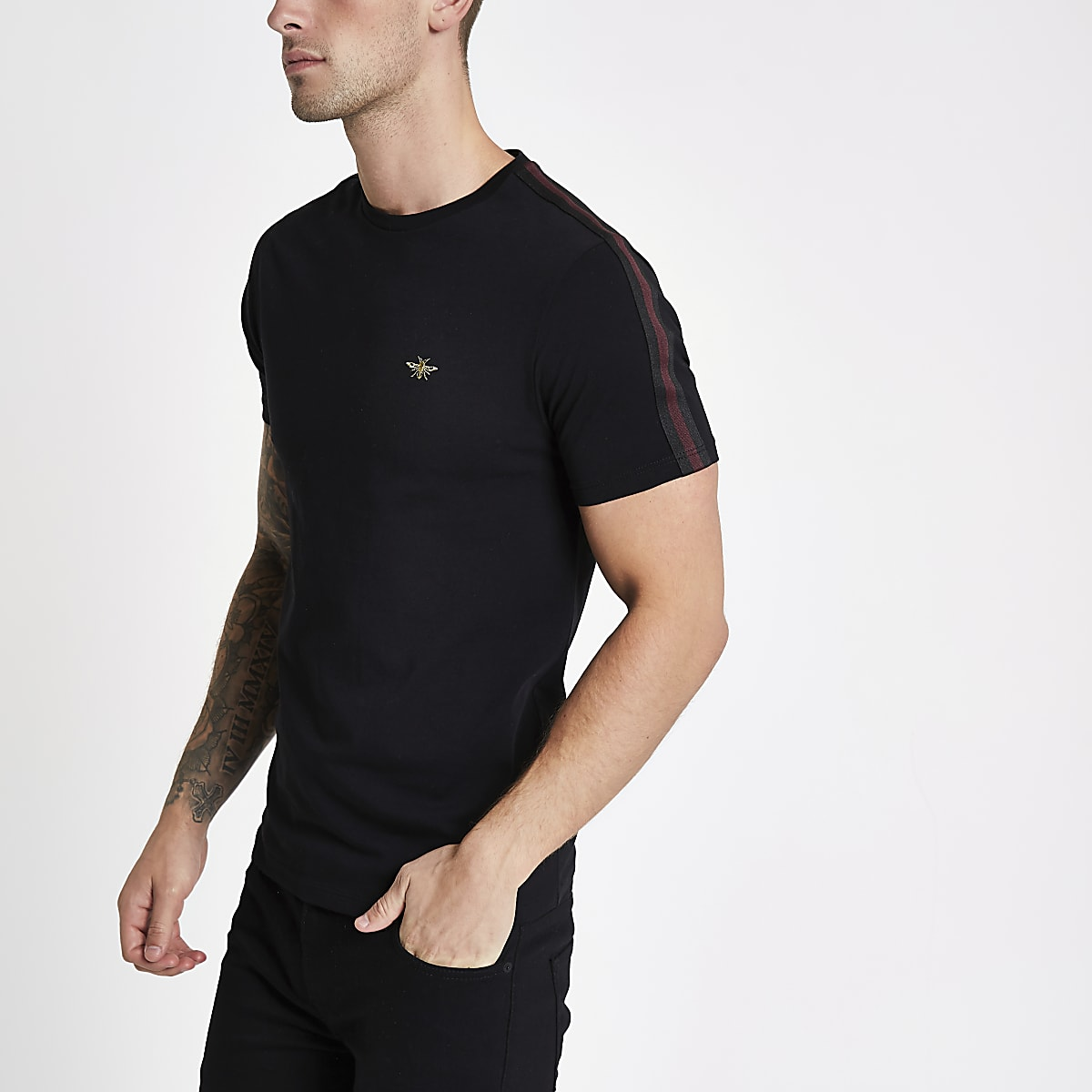 Black muscle fit tape wasp embroidery T-shirt