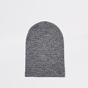 Bonnet large gris clair torsadé