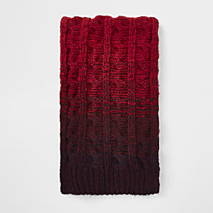 Red ombre knit scarf