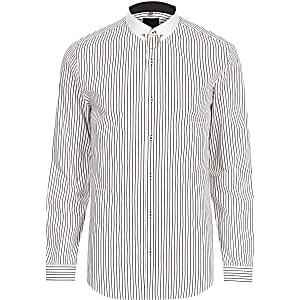 Wit gestreept slim-fit overhemd met contrasterende kraag