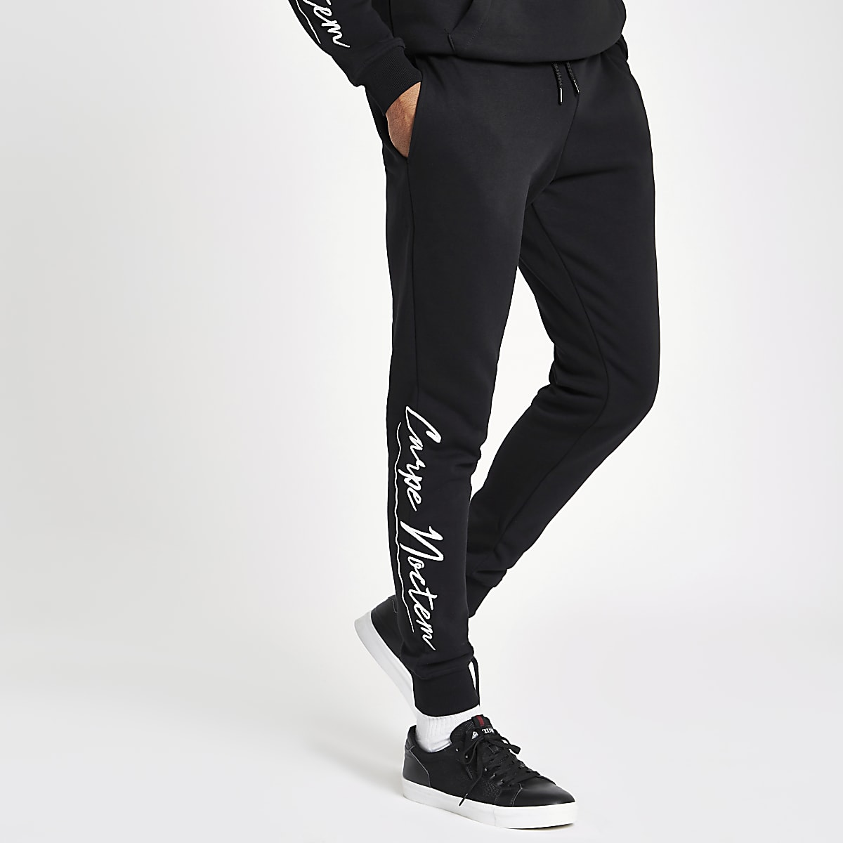 Pantalon de jogging « Carpe noctem » noir