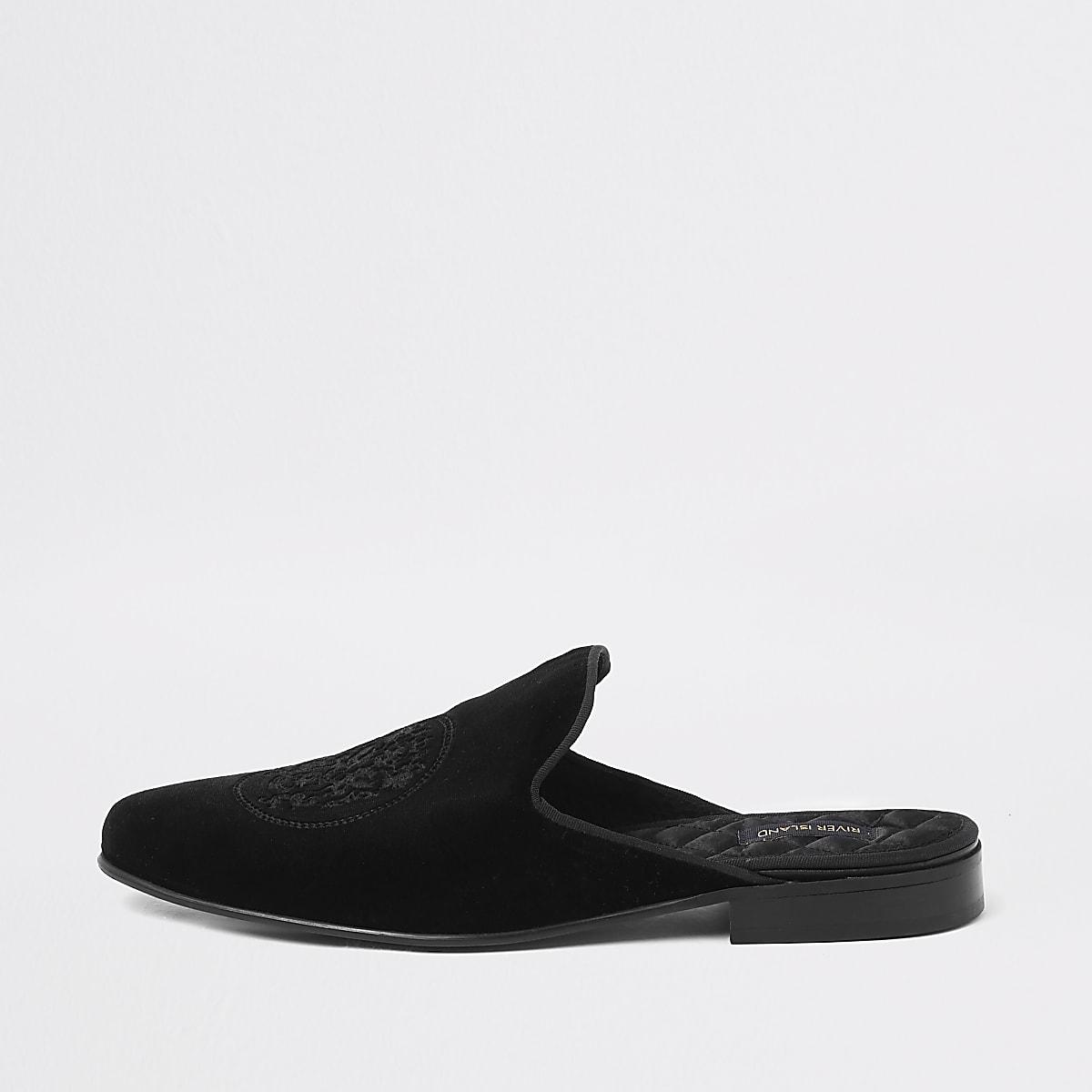 Mocassins mules noirs en velours brodé