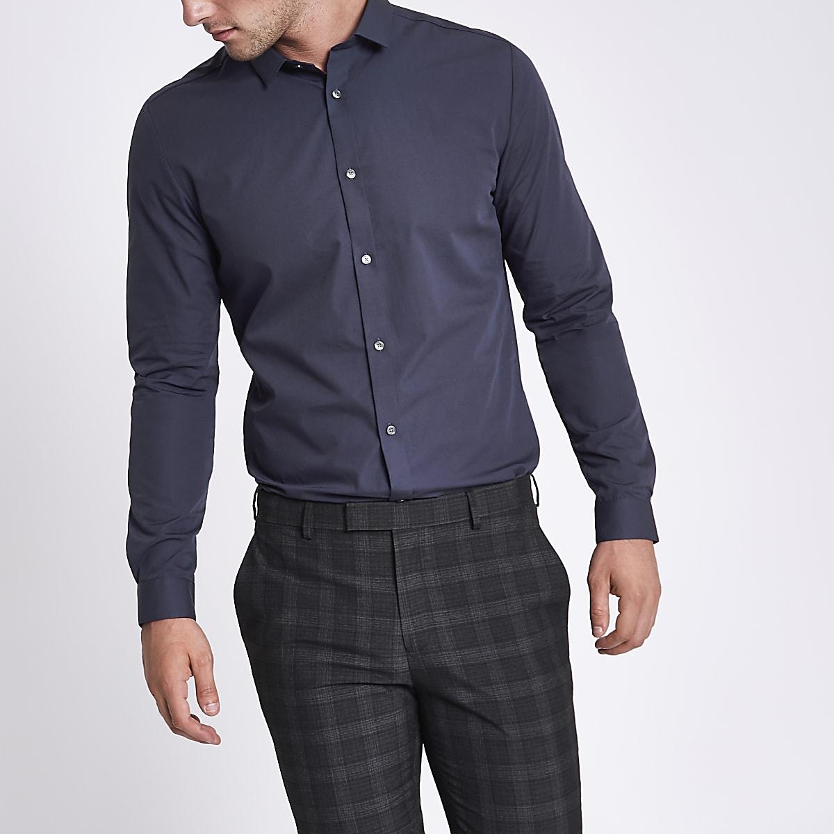 Marineblauw slim-fit overhemd met lange mouwen