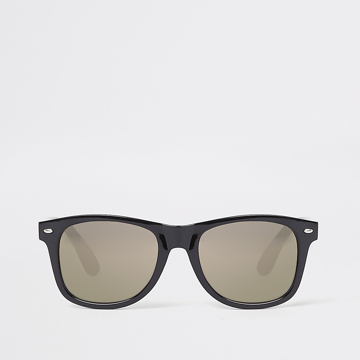 Zwarte met goudkleurige retro zonnebril met vierkante grijze glazen