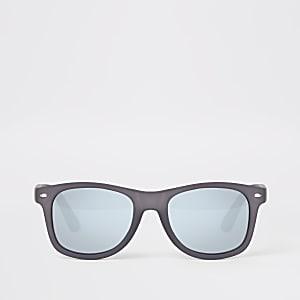 Graue Retro-Sonnenbrille