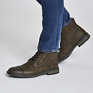 Dunkelbraune Military Stiefel zum Schnüren
