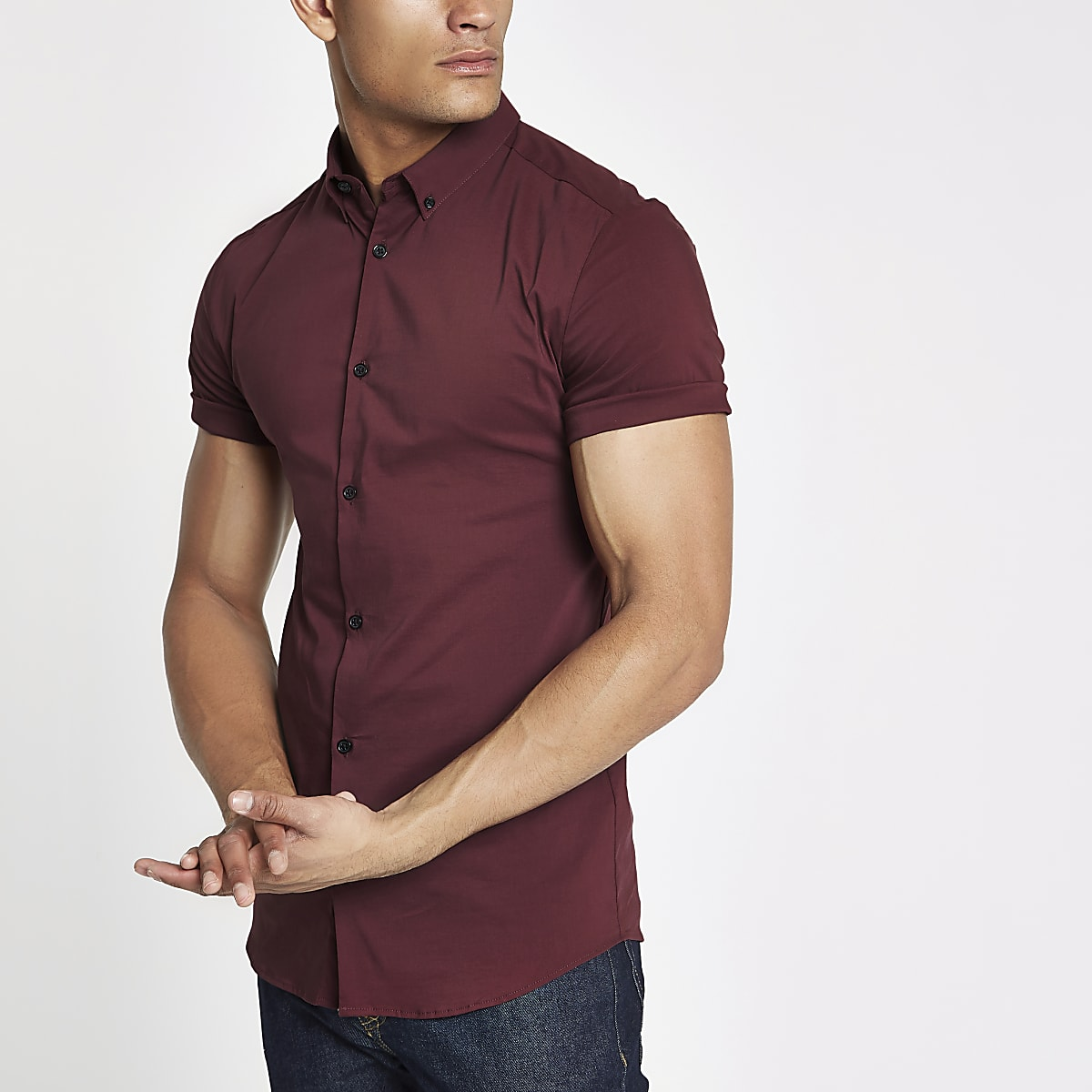 Red poplin muscle fit short sleeve shirt