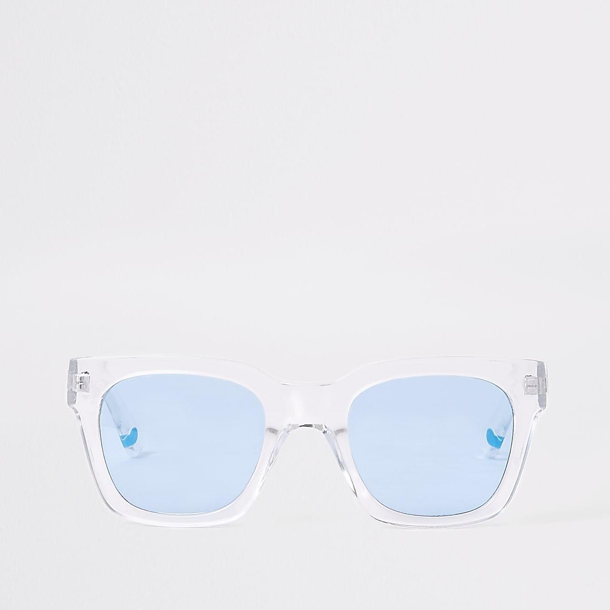 Zonnebril met blauwe glazen en doorschijnend montuur