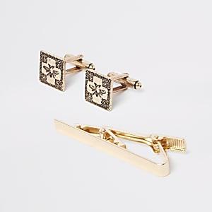 Gold tone RI cufflinks and tie bar set