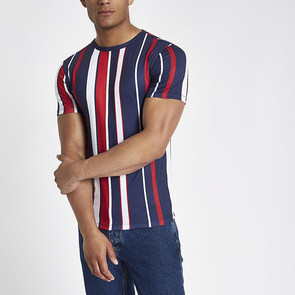 T-shirt ajusté rouge à rayures verticales