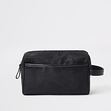 Black camo wash bag
