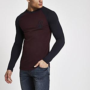 Donkerrood aansluitend T-shirt met lange mouwen en 'R96'-print