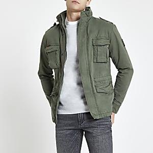 Superdry – Jacke in Khaki mit vier Taschen