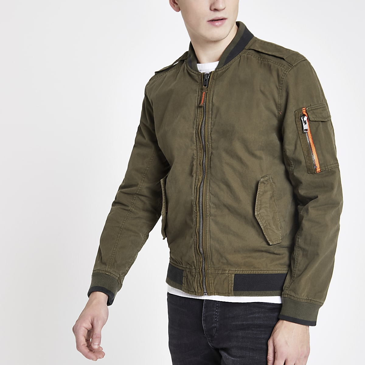 Superdry – Bomberjacke in Khaki