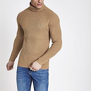 Bruine aansluitende geribbelde pullover met col