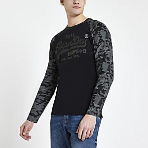 Superdry – Schwarzes T-Shirt mit Logo