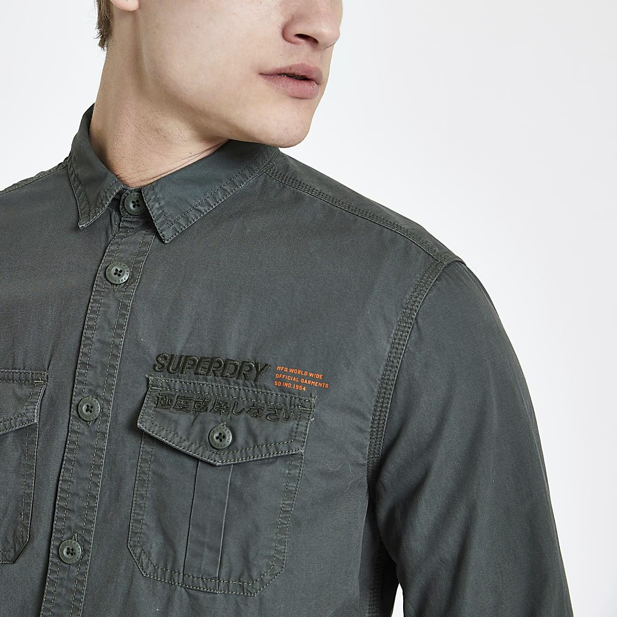 Superdry – Dunkelgrünes Hemd mit Taschen