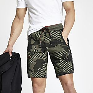 Superdry – Jersey-Shorts in Khaki mit Camouflage-Muster
