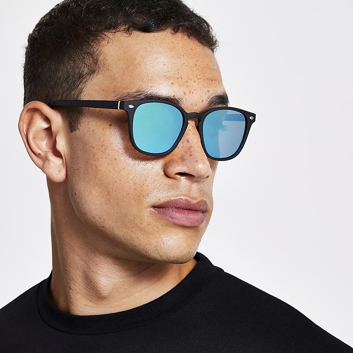 Zwarte zonnebril met smal retro vierkant montuur