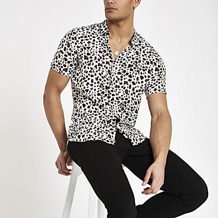Ecru leopard print short sleeve shirt