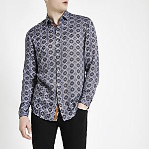 Blaues Langarmhemd mit Kachelprint