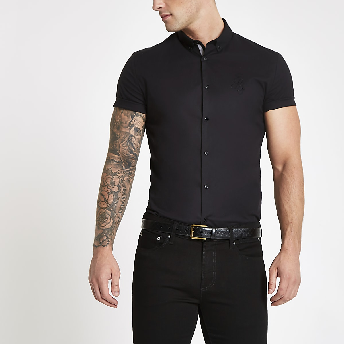 Black poplin muscle fit short sleeve shirt