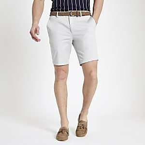 Steingraue Slim Fit Chino-Shorts mit Gürtel