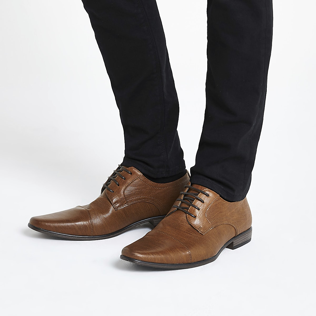 Brown embossed lace-up derby shoes