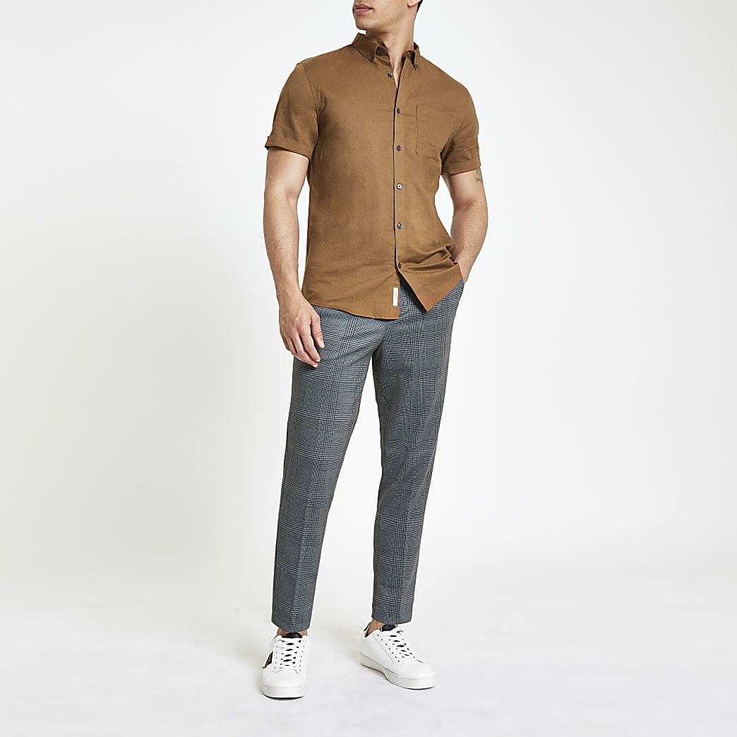 Bruin linnen overhemd met korte mouwen
