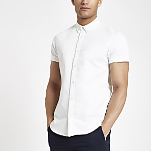 White short sleeve twill muscle fit shirt