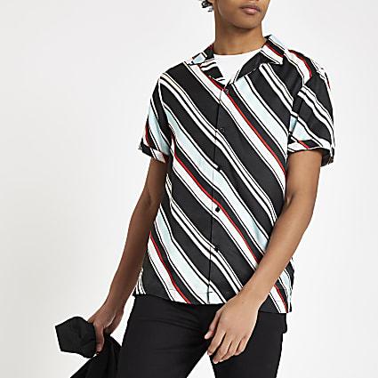 Light blue diagonal stripe short sleeve shirt